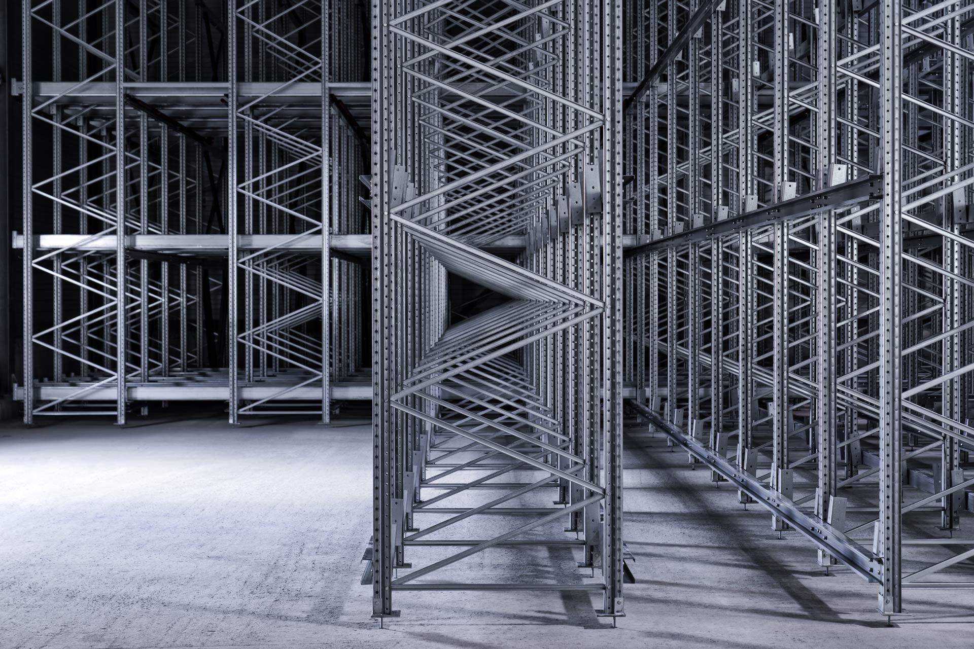 Industriefoto - Teilansicht eines Regallager